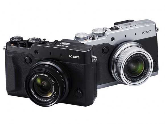 Fuji X30 will be available in two versions: black and silver