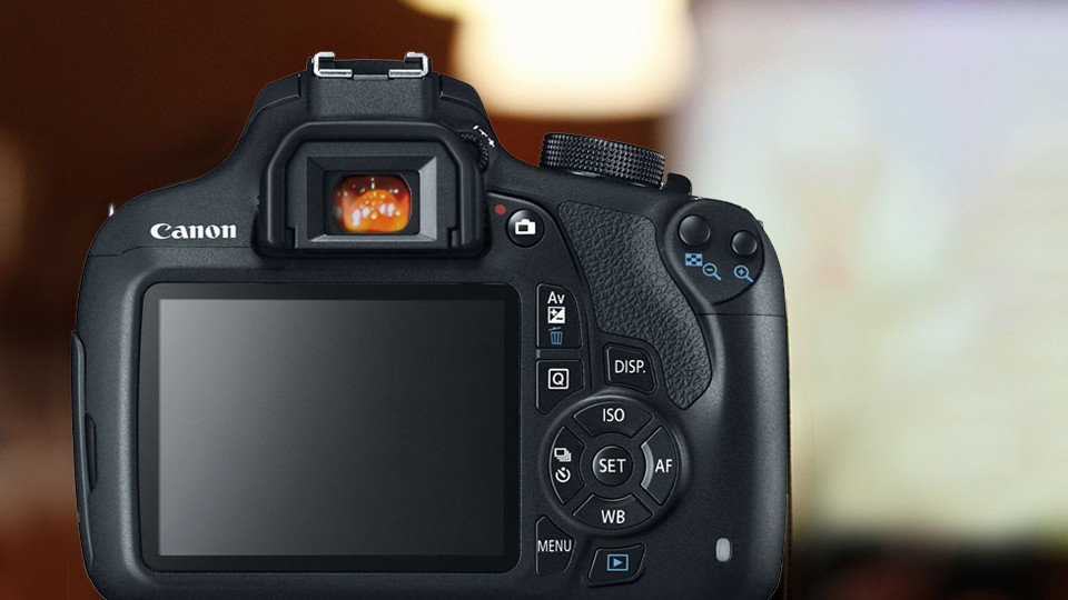 photo of viewfinder and lcd screen found at the back of a dslr camera